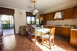Villa 150 meters from the sea, Trois chambres, 002