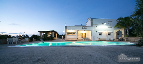 Lovely villa with pool, Trois chambres (17870), 003
