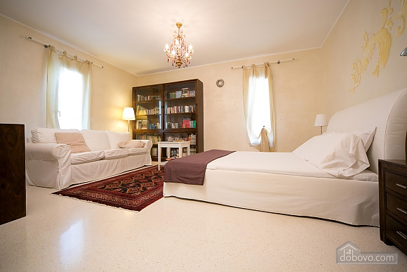 Lovely villa with pool, Trois chambres (17870), 008