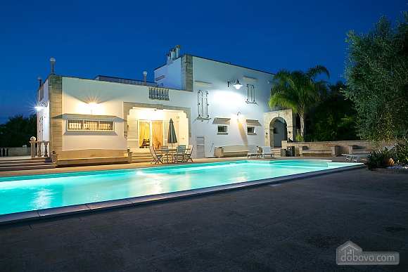 Lovely villa with pool, Trois chambres (17870), 010