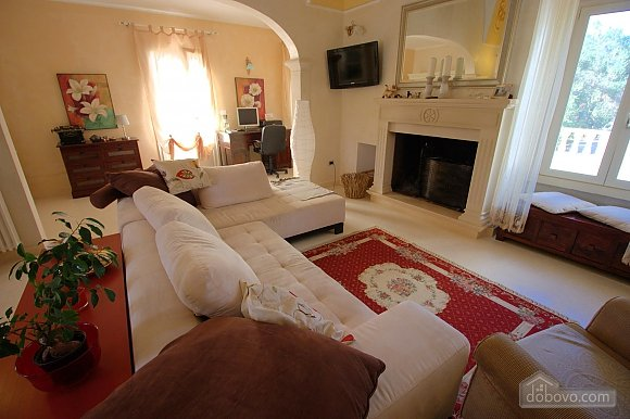Lovely villa with pool, Trois chambres (17870), 020