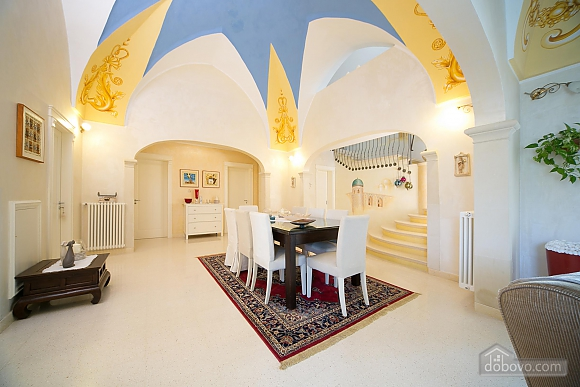 Lovely villa with pool, Trois chambres (17870), 030