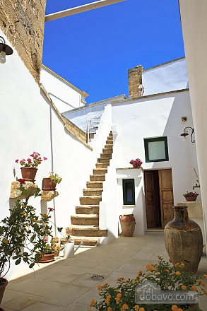 Historic residence, Tre Camere (99719), 004