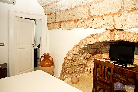 Historic residence, Tre Camere (99719), 024