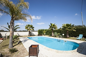 Villa with pool and lush garden, Quatre chambres, 001