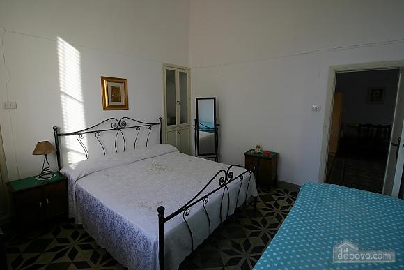 Вилла с бассейном и садом, 5ти-комнатная (55699), 013