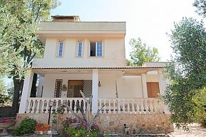 Italian Countryside Villa, Three Bedroom, 001