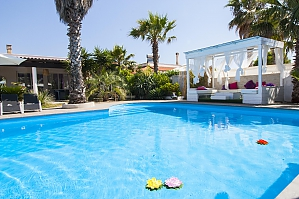 Villa with pool 50mt from the Beach, Two Bedroom, 001