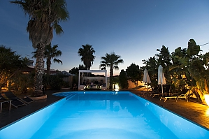 Villa with pool 50mt from the Beach, Two Bedroom, 003