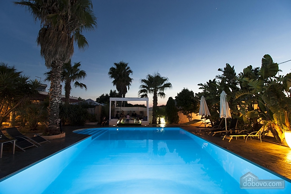 Villa with pool 50mt from the Beach, Two Bedroom (22302), 003