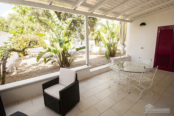 Villa with pool 50mt from the Beach, Two Bedroom (22302), 025