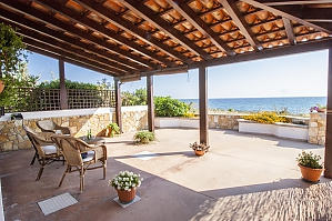 Pleasant Beachfront Villa, Tre Camere, 001
