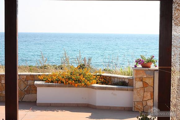 Приятная вилла на побережье, 4х-комнатная (74800), 006