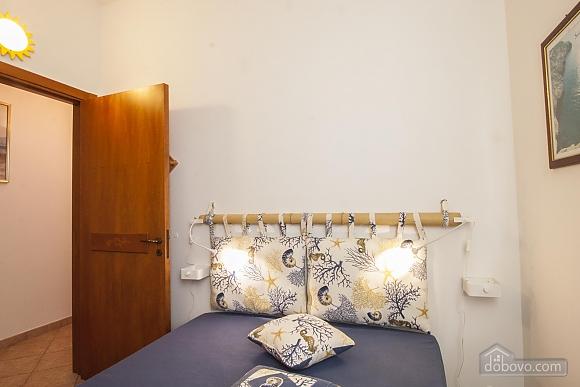 Приятная вилла на побережье, 4х-комнатная (74800), 012