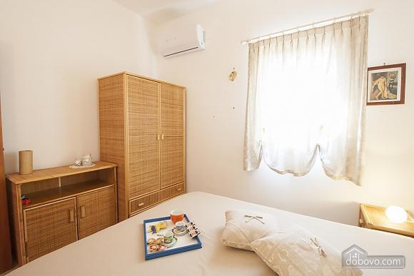 Приятная вилла на побережье, 4х-комнатная (74800), 017
