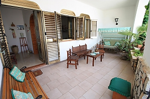 Seaside villa in Capilungo, Trois chambres, 002