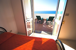 Large beachfront villa, Quatre chambres, 001
