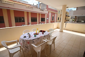 Home 400 meters from the sea, Trois chambres, 001