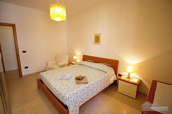 Home 400 meters from the sea, Vierzimmerwohnung (56977), 010