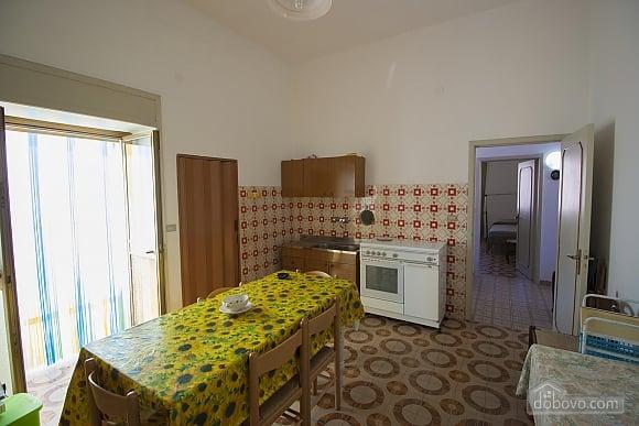 Low cost beach villa, Tre Camere (46478), 010