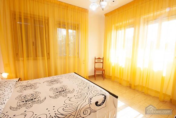 Villa near beautiful beaches, Two Bedroom (12445), 003