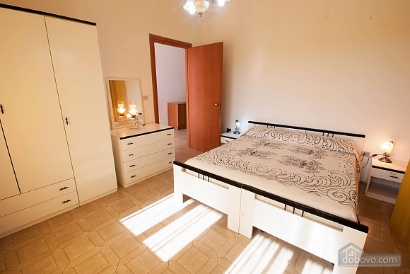 Villa near beautiful beaches, Two Bedroom (12445), 005