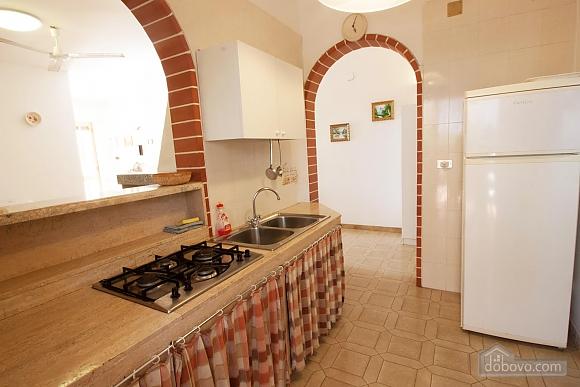 Villa near beautiful beaches, Two Bedroom (12445), 006