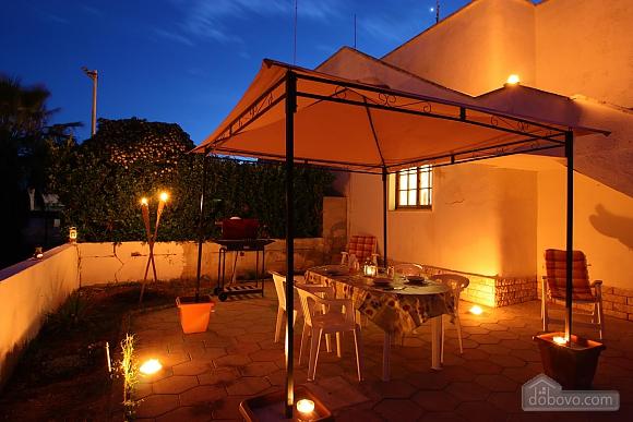 Summer villa next to the sea, Deux chambres (74823), 001