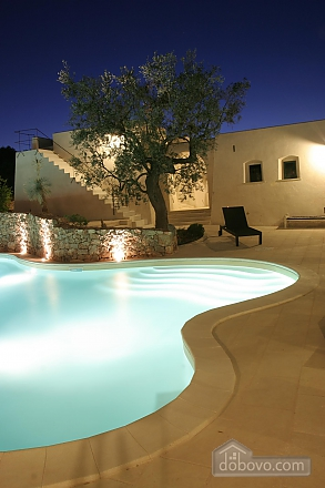 Modern pool and ancient trullo, Due Camere (68004), 028