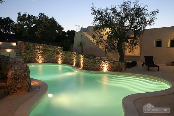 Modern pool and ancient trullo, Due Camere (68004), 034