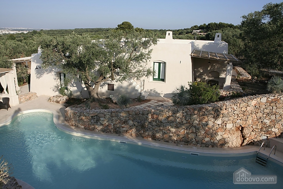 Modern pool and ancient trullo, Due Camere (68004), 035