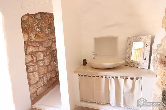 Historic trullo ready for romance, Studio (94761), 009