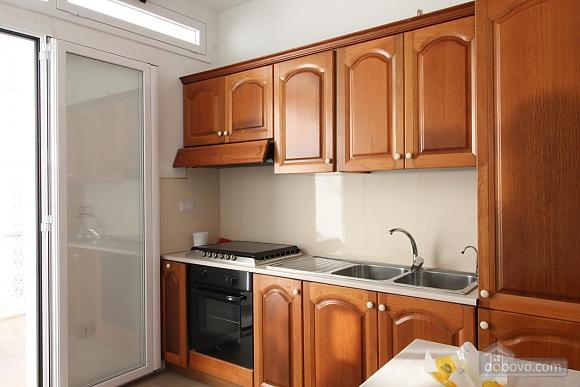 Вилла в пешей доступности до пляжа, 3х-комнатная (64901), 005