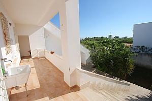 Home 600 meters from the sea, Quatre chambres, 002