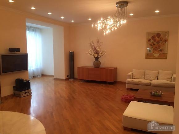 VIP level apartment, Vierzimmerwohnung (40132), 011