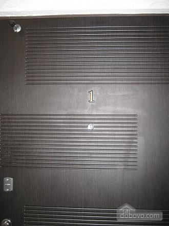 Квартира в центрі, 1-кімнатна (95872), 002