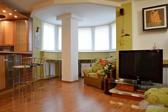 Уютная квартира возле метро Оболонь, 2х-комнатная (83975), 010