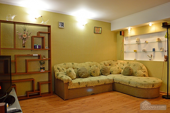 Уютная квартира возле метро Оболонь, 2х-комнатная (83975), 008