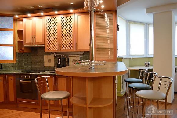 Уютная квартира возле метро Оболонь, 2х-комнатная (83975), 006