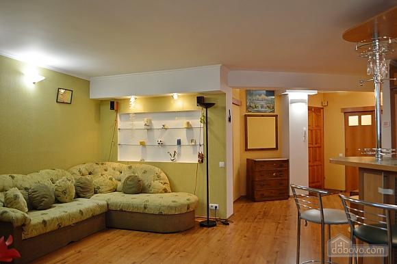 Уютная квартира возле метро Оболонь, 2х-комнатная (83975), 009