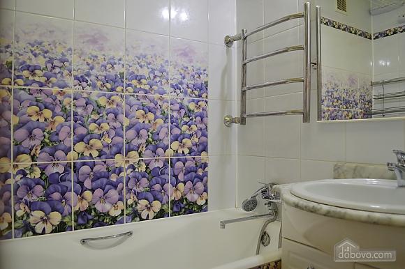 Уютная квартира возле метро Оболонь, 2х-комнатная (83975), 011