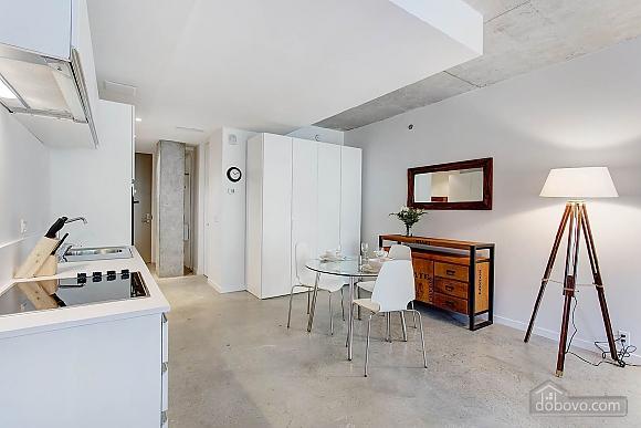 Студия возле Place Bonaventure, 1-комнатная (26818), 009