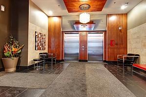 Прекрасная квартира в центре, 2х-комнатная, 010