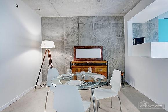 Трьох кімнатна квартира на пл. Вікторії, 3-кімнатна (68465), 008