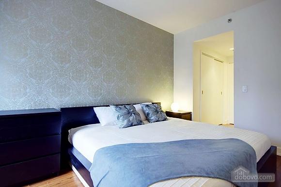 Apartment at Quartier-Des-Spectacles, Two Bedroom (73335), 010
