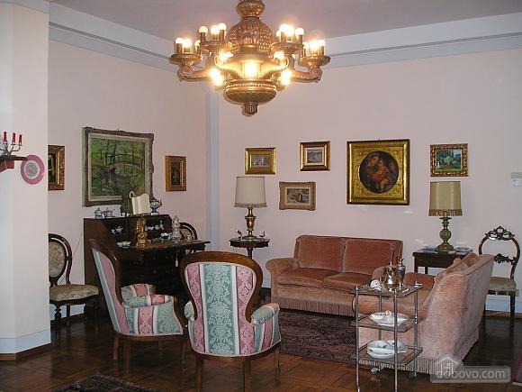 Villa Ornella, Six (+) chambres (42220), 005