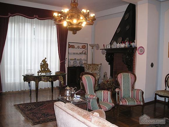 Villa Ornella, Six (+) chambres (42220), 006
