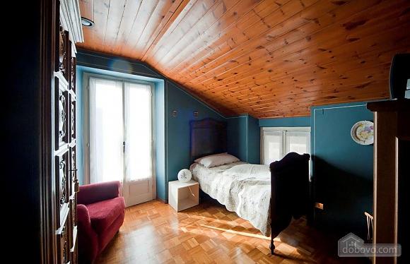 Villa Ornella, Six (+) chambres (42220), 014