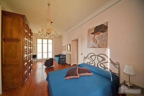 Villa Ornella, Six (+) chambres (42220), 015