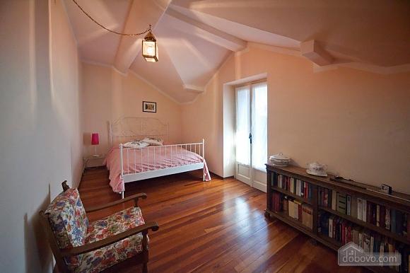 Villa Ornella, Six (+) chambres (42220), 017